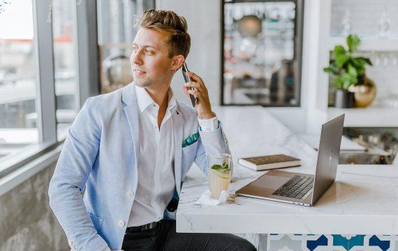 Comment se former au métier de commercial ?